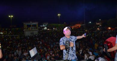 Prefeitura realiza II São João da Juventude em Simões. Veja fotos!