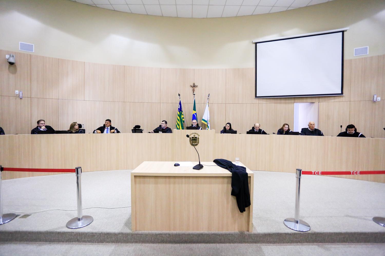 TCE bloqueia contas de 30 prefeituras e 21 câmaras do Piauí