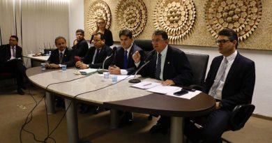 Audiência pública discute projeto de lei sobre aumento de impostos no Piauí