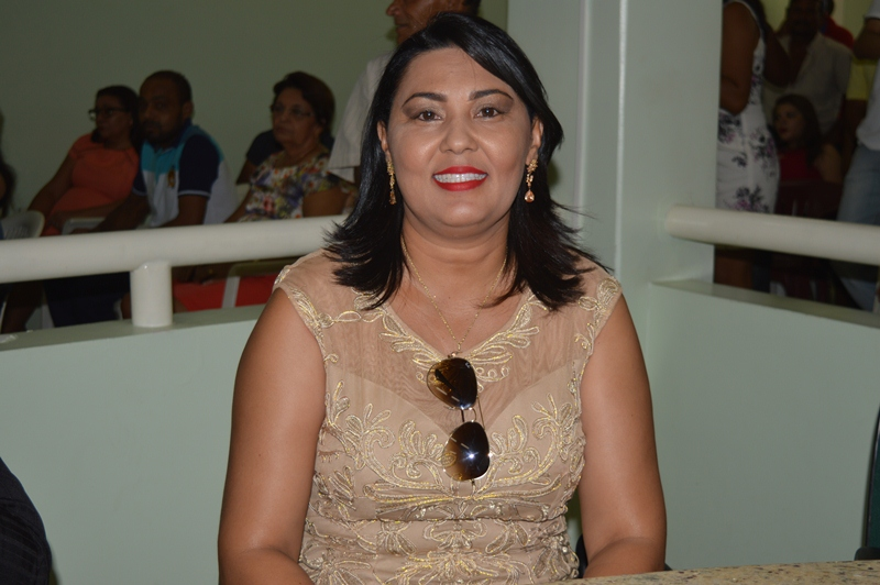 Vereadora de Jaicós divulga Nota de Esclarecimento acerca de crime virtual sofrido recentemente
