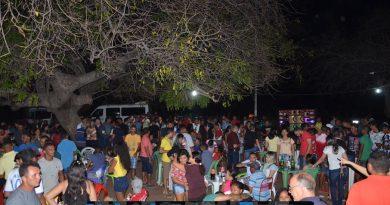 Confira fotos do churrasco de formatura de Jonisvânia e Jaciara em Wall Ferraz do Piauí