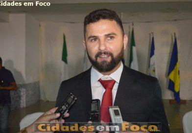 Prefeito Gederlânio Oliveira, antecipa 2ª parcela do 13º dos servidores de Jacobina