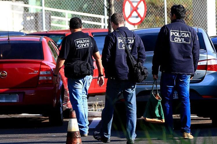 Greco prende policial e mais dois suspeitos de fraudes em concursos