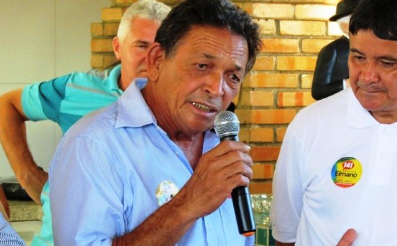 Ex-prefeito Gil Paraibano passa mal e é internado em Teresina