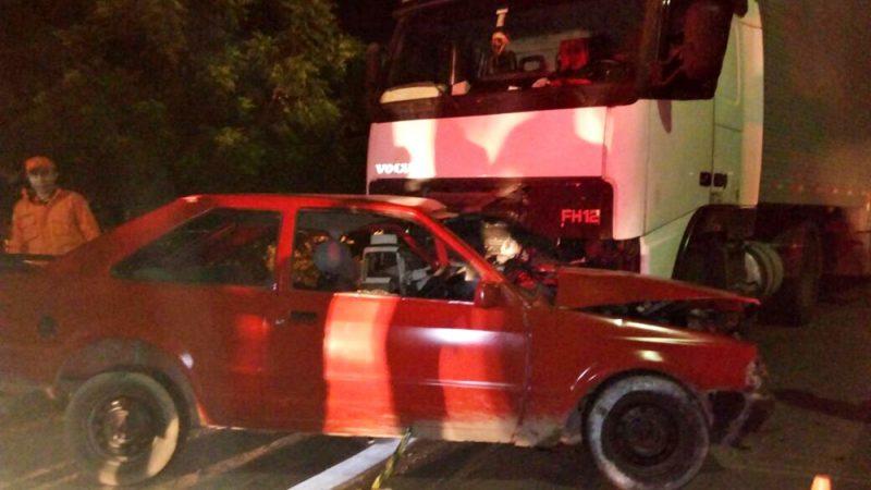 Acidente entre carro e carreta deixa vítima fatal na BR-407, em Jaicós. Veja fotos
