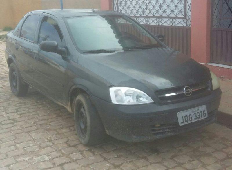 Força Tática de Simplício Mendes apreende carro roubado em Conceição do Canindé