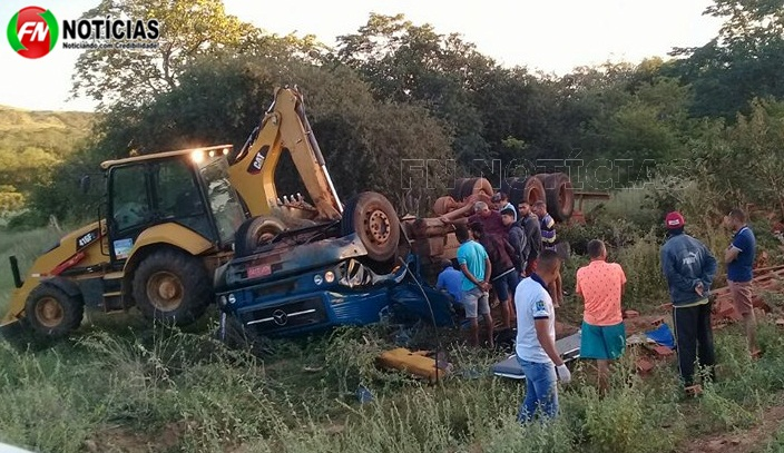 Duas pessoas morrem em grave acidente envolvendo caminhão na PI 459 em Betânia do Piauí