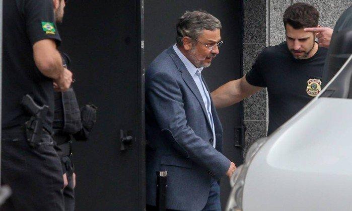 Palocci assina acordo de delação premiada com PF