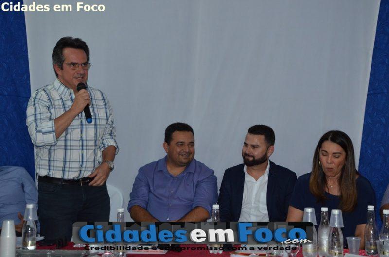 Ciro Nogueira anuncia caminhão compactador para municípios da região de Jacobina do Piauí