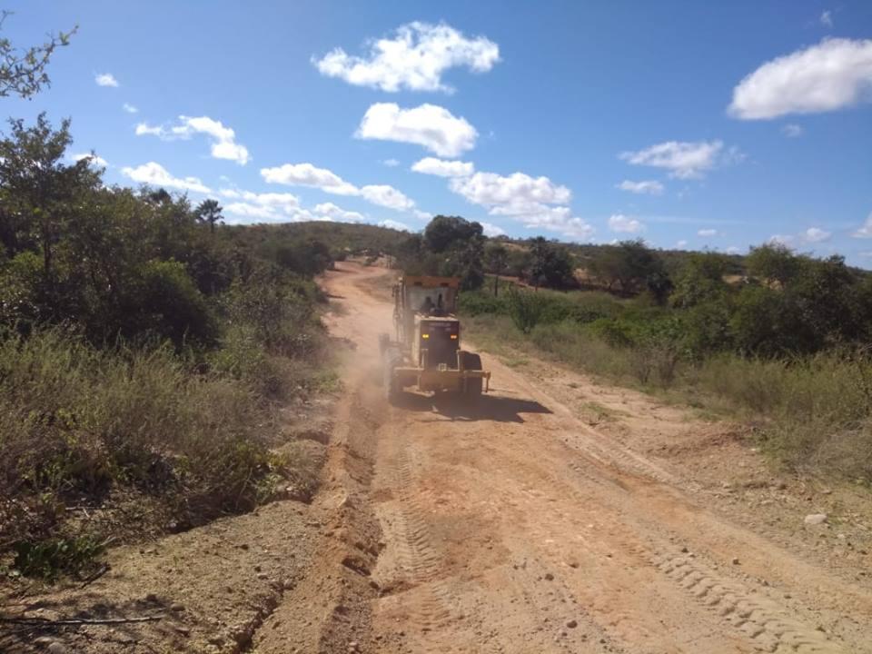 Prefeitura de Patos do Piauí inicia trabalho de recuperação das estradas rurais