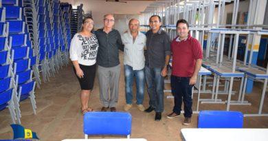 Prefeitura faz aquisição de novas mesas e cadeiras e vai beneficiar alunos de Queimada Nova
