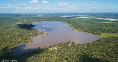Amigos descobrem no Piauí lagoa em formato do mapa do Brasil