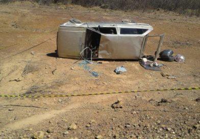 Família evangélica sofre acidente ao ir para culto e mulher morre após carro capotar em Simplício Mendes