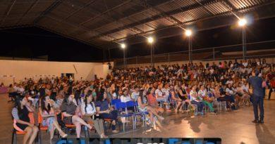 Fotos da palestra de Isaque Folha em Paulistana