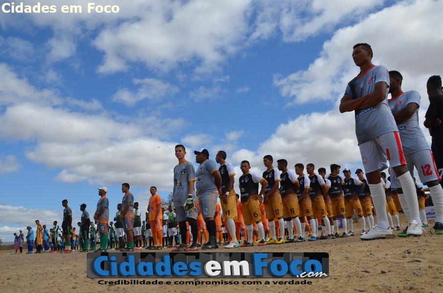 Prefeito e vice abrem Campeonato de Futebol em Queimada Nova do Piauí. Veja fotos!