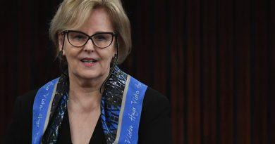 """Rosa Weber diz """"não descobrimos o milagre"""" sobre evitar fake news"""