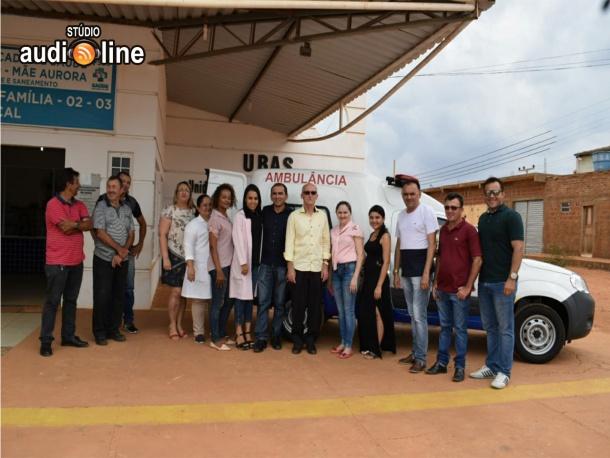 Prefeito entrega mais uma ambulância à secretaria de saúde de Queimada Nova do Piauí