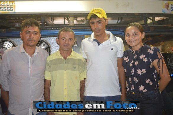 Vereadora Gleicinha deixa a oposição e adere ao grupo do prefeito Junior de Abel em Curral Novo do Piauí
