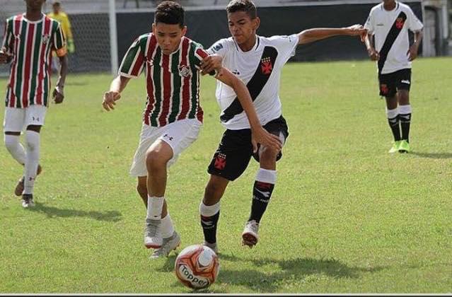 Jovem de Wall Ferraz ganha destaque na base do Fluminense e fatura dois campeonatos