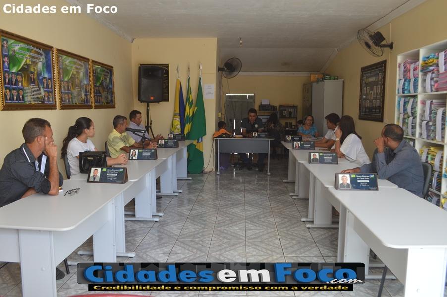 Câmara de Curral Novo realiza sessão e vereadores parabenizam presidente pelo belo trabalho