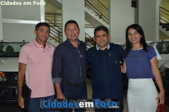 Prefeito Antônio Chico ao lado de prefeitos da região de Nova Santa Rita
