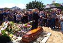 Vítima de incêndio no CT do Fla, Bernardo Pisetta é enterrado em SC